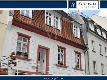 VON POLL Entzückendes Altstadthaus mit Doppelgarage