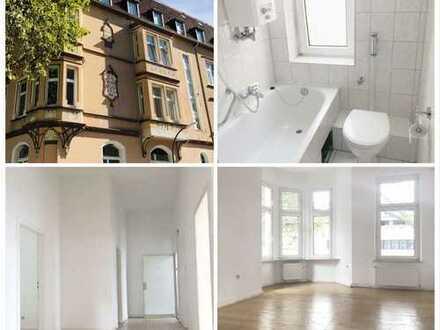 ***KREUZVIERTEL-4 Zimmer Albauwohnung mit Holzdielen,hohen Decken, Wannenbad und Wohnküche***