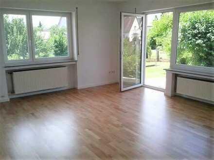 neu renovierte, helle und ruhige 3,5-Zimmer-EG-Wohnung (ideal auch für Augsburg-Pendler)