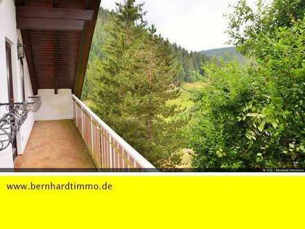Reserviert - Gemütliche 2-Zimmer-Dachgeschosswohung mit Balkon und herrlicher Aussicht