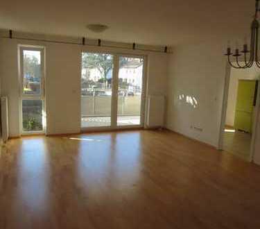 Stilvolle, neuwertige 3-Zimmer-Wohnung mit Balkon und EBK in Darmstadt