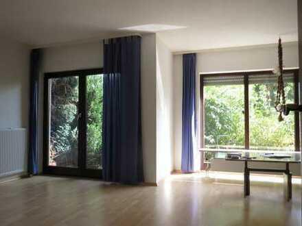 Doppelhaushälfte mit 7 Zimmern und 3 Bädern in ruhiger Lage in Ittersbach zu verkaufen!