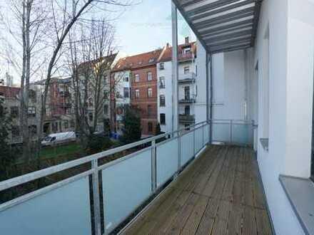Romantische 5-Raum-Wohnung mit Stuck und großem Balkon!!!