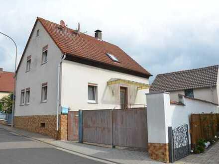 *HTR Immobilien GmbH* Gemütl. WH sucht Handwerker, Hof, Nebengeb., kl. Garten