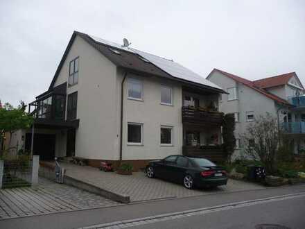 Vermietung an 1 Person: Teilmöbilierte 1 Zi. DG -Wohnung mit EBK in 71155 Altdorf, WM pauschal 450€