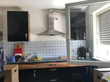 Schöne, geräumige und helle drei Zimmer Wohnung in Ludwigshafen am Rhein, Oggersheim