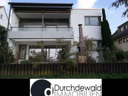 Freistehendes, großzügiges Einfamilienhaus in unverbaubarer Aussichtslage von Esslingen-Neckarhalde