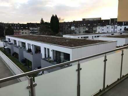 Vollständig renovierte 4-Zimmer-Wohnung mit Balkon in Düsseldorf