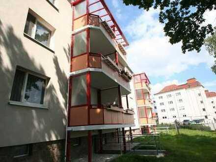 Wohnung mit sonnigem Balkon und Dusche!!