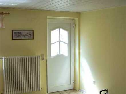 Vollständig renovierte 2-Zimmer-Wohnung mit EBK in Dahn