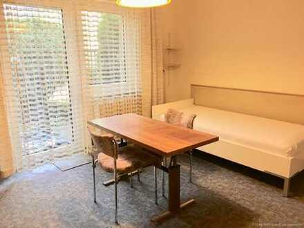 RE/MAX Grafing - Reizendes möbiliertes Apartment mit Terrasse für den Wochenend-Heimfahrer
