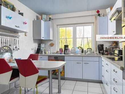 IMMOBERLIN: Komfortables Einfamilienhaus in naturschöner Lage