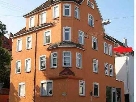 Wohnen mit Charme - sanierte 4-Zimmer Altbau-Wohnung zentrumsnah