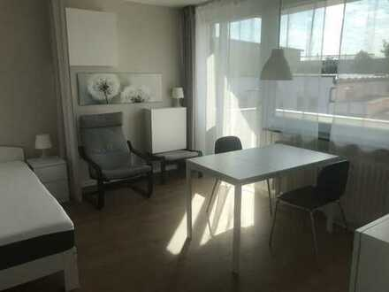 Möbiliertes 1-Zimmer-Wohnung/Bad/Küche/ Balkon und Parkplatz in Haar