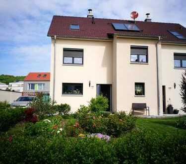 Doppelhaushälfte im schönen Dichterviertel Radebeul zur Miete