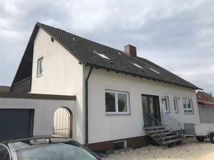 Neu saniertes Einfamilienhaus mit Garten und Doppelgarage im schönen Wolframs-Eschenbach