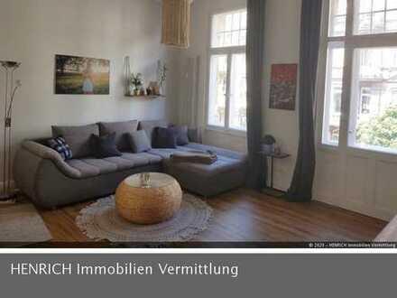 Charmante 2 Zimmer Altbau Wohnung mit Balkon im Herzen Wiesbadens