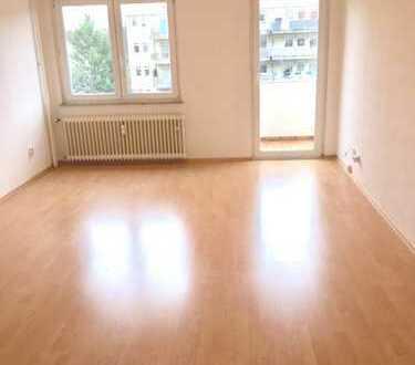 Deutz zentrale Lage: Helle, moderne 4-Zimmer-Wohnung mit Balkon