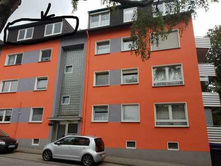 Gut vermietete Dachgeschosswohnung in einem sehr gepflegten Mehrfamilienhaus