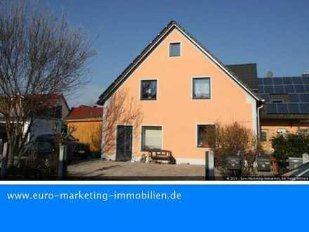 Anlageobjekt - Preisgünstiges Mehrfamilienhaus mit 4 Wohnungen und eigenen Eingängen