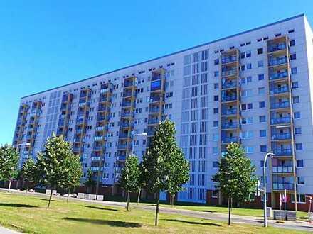 Moderne Wohnanlage am Rande von Lütten-Klein mit Design-Bodenbelag, Wannenbad, Balkon und Fahrstuhl