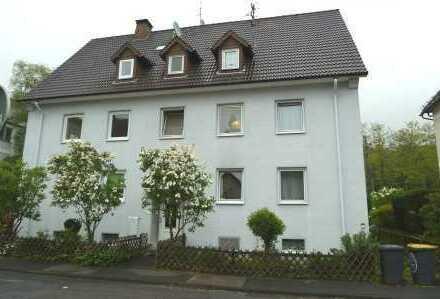 kleine und gemütliche Dachgeschosswohnung in guter Lage zwischen Kreuztal und Buschhütten