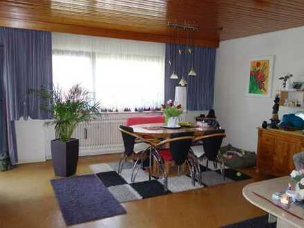 Gepflegte 3-Zimmer-EG-Wohnung mit Balkon, Stellplatz und EBK in Vaihingen-Enzweihingen