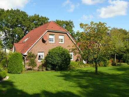 Wohnhaus mit Wintergarten und Garage