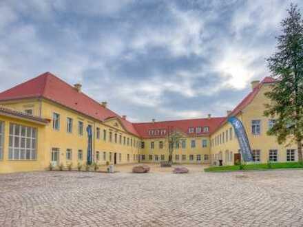 **Königliches Wohnen im Schloss**