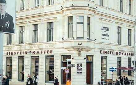 ***Beste Lage*** Einstein Café mit Terasse am Checkpoint Charlie