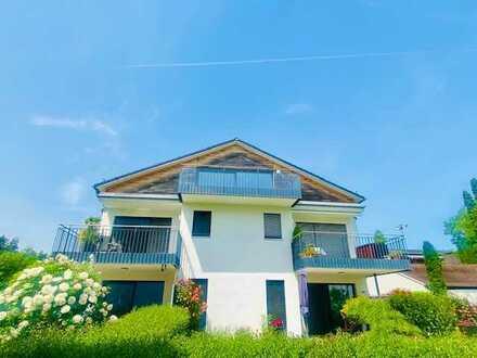 *WOHNEN GANZ OBEN*: 3-Zimmer-Dachgeschoßwohnung mit Sonnenterrasse! SEE- und BERGBLICK inklusive!