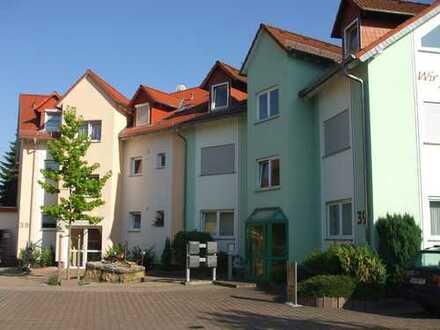 Vollständig renovierte 3-Zimmer-Wohnung mit Balkon und EBK in Nidderau