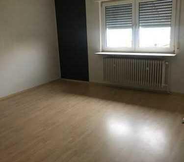 Schöne helle 4 Zimmerwohnung