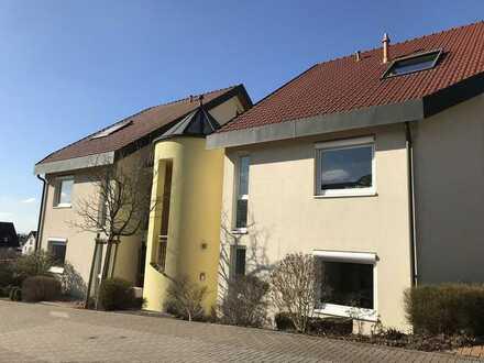 """Einzigartige 4ZKB Maisonette-Wohnung im Weinheimer-Neubaugebiet """"Römerloch"""" zu vermieten"""