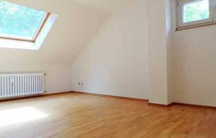 Gemütliches und ruhig gelegenes Appartement im Dachgeschoss