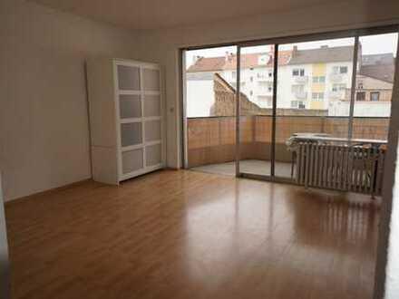 Nachmieter gesucht - 1-Zimmer-Appartement mit Südbalkon in der Seckenheimer Straße