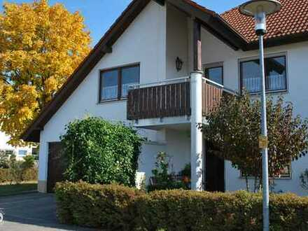 bezaubernde 3,5-Zimmer-Wohnung mit Balkon und Garage
