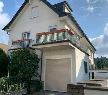 Renovierte 2-Zimmerwohnung mit XXL-Balkon in bester Lage von Mehlem