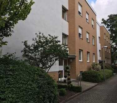 Schöne, modernisierte 3-Zi.-Wohnung mit 2 Balkonen in begehrter Lage