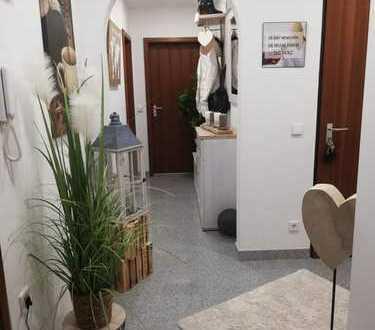 Hochwertig sanierte 2-Zimmer-Wohnung mit Balkon in Unterreichenbach von privat