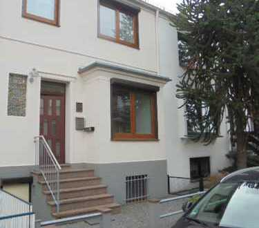 Bremer Haus in Huckelriede mit Veranda, 2 Terrassen, Garten und Garage
