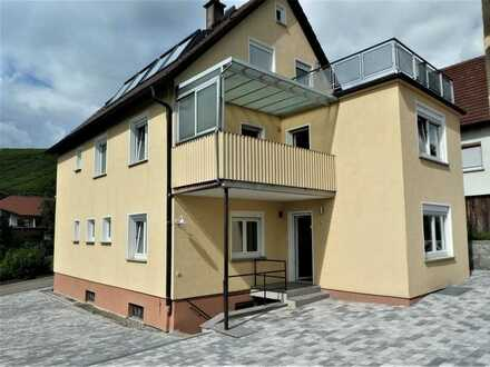 Charmante, neu renovierte 3-Zimmer-OG-Wohnung inkl. Garage in Mundelsheim!