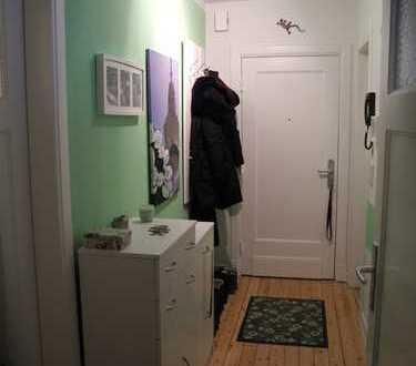 Wohn-Schlafzimmer mit Küche, Balkon, Bad