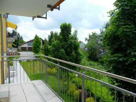 SENIORENRESIDENZ bietet behindertengerechte, schicke 2-Zi.Wohnung m. Balkon, EBK, Aufzug u.v.m.