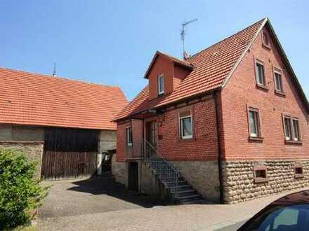 ländliches Anwesen in Großrinderfeld mit großen Nebengebäude