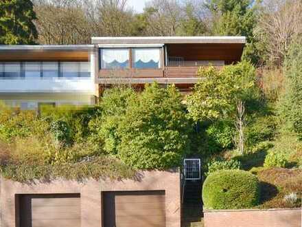 Schöne Aussichten im Einfamilienhaus mit Doppelgarage in ruhiger Höhenlage NW-Hambach
