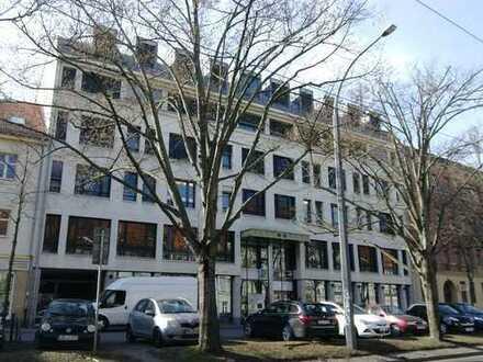 Büroräume gegenüber der Staatskanzlei, 180 bis 357 m²