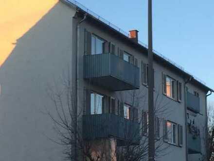 Zentral, gepflegte 2,5-Zimmer-Wohnung mit kleinen Balkon in Böblingen