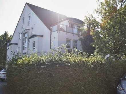 Ruhige 3-Zimmer-Dachmaisonette mit Balkon & Einbauküche in Wiesbaden-Erbenheim - OHNE Makler