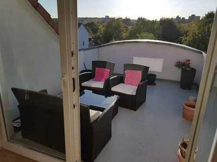 Modernisierte 3-Zimmer-DG-Wohnung mit Balkon und EBK in Friedrichsdorf
